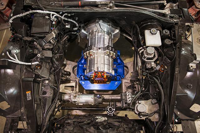 Къщата на епичния V8 се оказва доста широка за електрическото задвижване