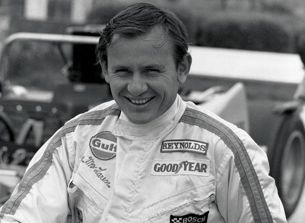 McLaren през годините в CanAm. Колите му доминират в състезанията в края на 60-те години.
