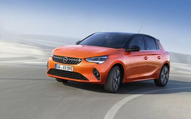 7. Opel Corsa: Новата Corsa ще се опита да измъкне Opel от неловката ситуация, в която марката изпадна след придобиването от PSA. Мъникът използва платформата на 208 и има изцяло електрическа версия.