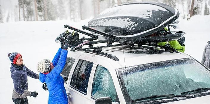 Най-често шофьорите пропускат да изчистят снега от кутията на покрива, защото е по-трудно достижима