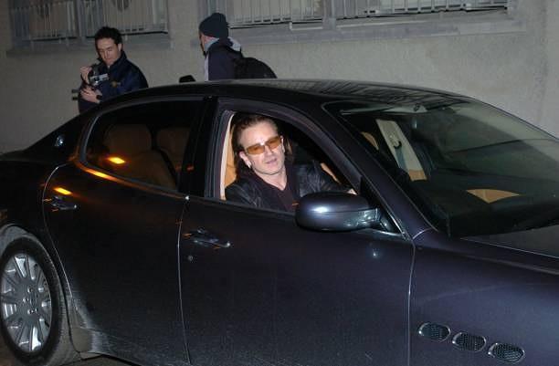 Maserati Quattroporte (2003) – кола, с която Боно бе забелязван няколко пъти да напуска звукозаписното студио в Дъблин, преди да се сдобие със следващата си придобивка…