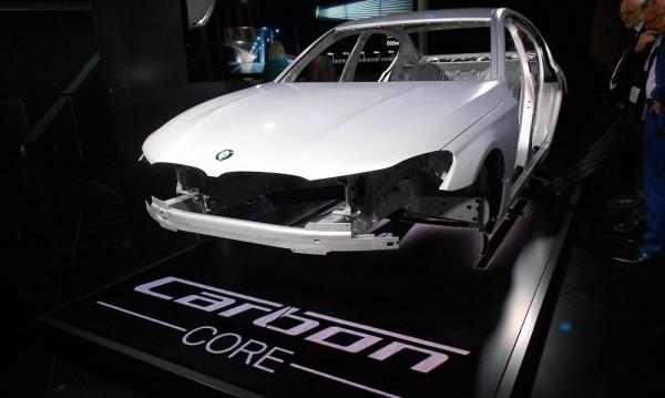BMW демонстрира карбоновото ядро на 7-Series