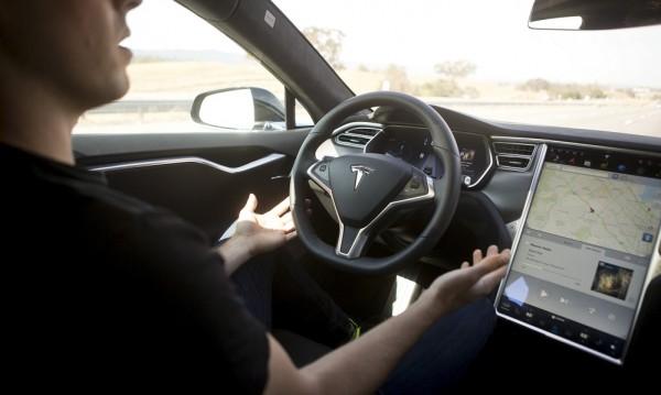 Учени разкриха – шофьорите не обичат технологиите