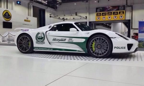 Porsche 918 Spyder ще гони нарушители в Дубай