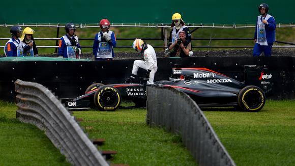 Алонсо с остра критика към Формула 1