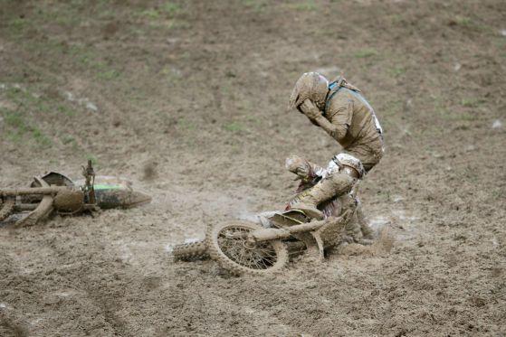 Мотокрос: Силен дъжд и атрактивни квалификации в първия ден на Гран при България