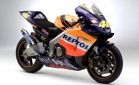 Култовата Honda RC211V: 5-цилиндровата MotoGP ракета, разработена от и за Валентино Роси