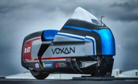 Voxan Wattman е електрически мотоциклет с 367 коня. Цели се в рекорд от 330 км/ч