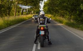 Нашият Rider взе чисто нов мотор на 5 км, навъртя му над 1500 за две седмици и раздаде ваучери за над 2 тона гориво. 91 снимки от приключението и видео
