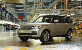 Почти по нашенски. Крадци отмъкнаха двигатели на стойност близо 4 милиона долара от фабрика на Land Rover.