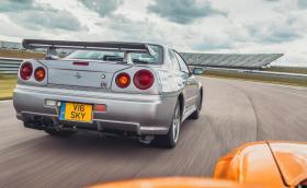 Топ 9 коли със заводски прикрити мощност и скорост (Галерия)