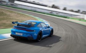 Така Porsche тества новото 911 GT3: 17 часа с постоянна скорост от 300 км/ч