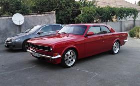 """Това е ГАЗ-24 """"Волга"""" купе с Toyota 2JZ мотор и визия в стил Ford Mustang"""