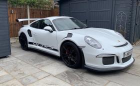 Това Porsche 911 GT3 RS не е истинско, направено е в барака на базата на Boxster