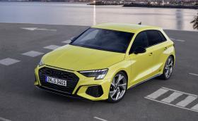 Audi S3 е жълт хотхеч с 310 коня