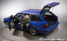 Ако си търсите M5 Touring от 1994 г., това тук е много специален екземпляр