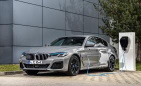 Две седмици след като тествахме BMW 545e, баварците официално показват колата