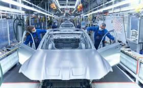 BMW започна производство на M3 със задно и ръчка