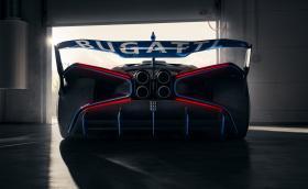 1850-конния Bugatti Bolide се появи отново, този път с истински снимки
