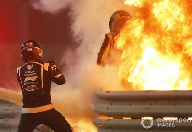 Вижте катастрофата, от която Грожан излезе на крака (Видео)