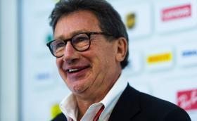 Шефът на Ferrari Луис Камилери изненадващо напусна поста