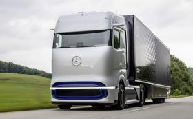 Daimler представи влекача на бъдещето Mercedes GenH2, както и нов електрически камион