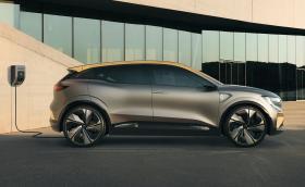 Renault Megane eVision е 220-конен електрически хеч
