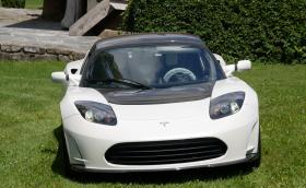 Продават последния Tesla Roadster за 1,3 млн. евро