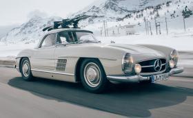 Този прекрасен 1960 Mercedes-Benz 300 SL Roadster се продава за 995 хил. евро