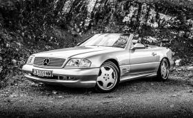 Нека си припомним този прекрасен 2001 Mercedes-Benz SL 500 'Silver Arrow'. Видео!
