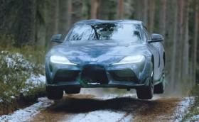 Латвиец прави откачен офроуд с новата Toyota Supra. Видео