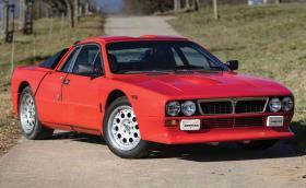 Тази 1982 Lancia 037 Rally Stradale се продава за 400 хил. евро