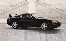 Някой плати 173 600 долара за тази 25-годишна базова Toyota Supra