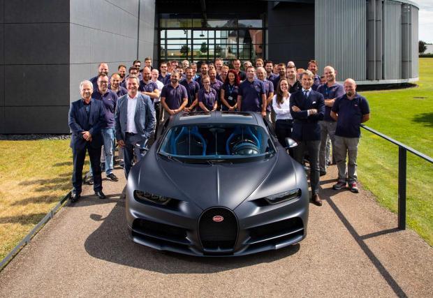 Bugatti Chiron номер 200 излезе от производство - вижте снимки от фабриката