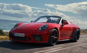 Porsche 911 Speedster е лебедовата песен на серията 991. Отдолу се крие GT3 под прикритие