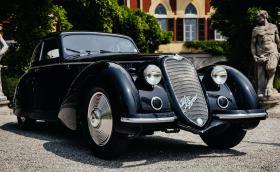 Тази прекрасна Alfa 8C 2900B Berlinetta Touring спечели голямата награда на тазгодишния конкурс за елегантност край Комо