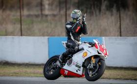 Двойна победа и нов рекорд за Ангел Караньотов и Ducati на трасето в Серес от Европейския пистов шампионат