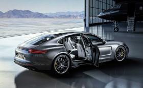 10 години Porsche Panamera: спортен автомобил, луксозен седан, хибриден пионер