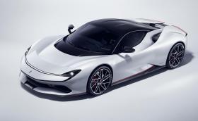 Pininfarina Battista е гръм в рая на хиперавтомобилите. Вдига 300 за 12 секунди и има 1900 к.с.