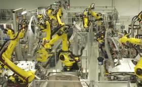 Вижте как роботи и хора правят Panamera и Macan в Лайпциг. Видео