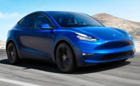 Tesla Model Y е тук в четири версии с начална цена от 39 хил. долара