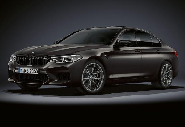 BMW M5 'Edition 35 Jahre' по случай 35 години М5. Мощно е минимум 625 коня