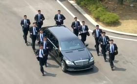 Mercedes: Не сме продавали лимузина на Ким Чен Ун, не знаем как се е озовала в Северна Корея