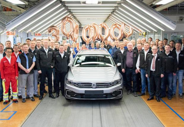 VW Passat с рекорд - 30 милиона бройки за 46 години, новият в продажба от май