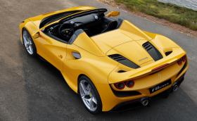 Ferrari F8 вече е Spider
