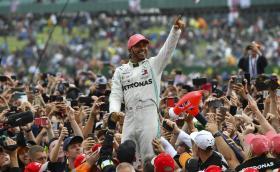 Шест рекорда в F1, които Хамилтън вече подобри или може да го направи преди края на кариерата си. Вижте какво е постигнал Люис спрямо Сена и Шумахер