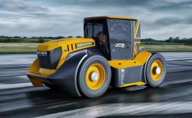 JCB Fastrac 2 е най-бързият трактор в света