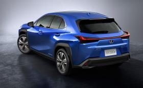 Lexus показа първия си изцяло електрически модел - UX 300e