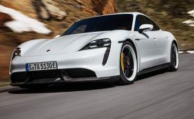 Официално: Porsche Taycan дебютира със 760 к.с., 1050 Нм и 2,8 секунди до 100 км/ч. И всичко това в семеен седан, който мирише на маргаритки!