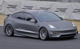 Това е най-амбициозният Model 3 в света, преследва рекорд на McLaren F1 на японска писта